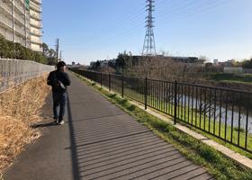 ウェアハウス三橋店への道のり(川沿い)の写真