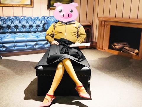 トリックアートの写真(女性の足)