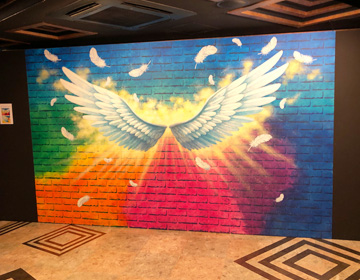 トリックアートの写真(天使の翼)