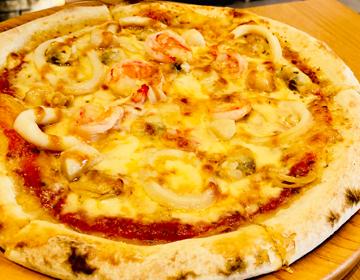 シーフードピザの写真