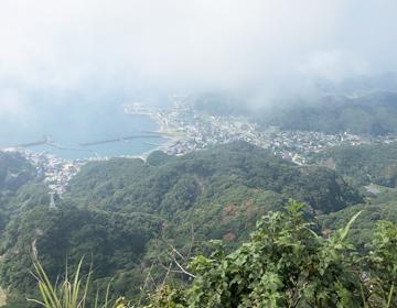 鋸山山頂から見た浜金谷の写真